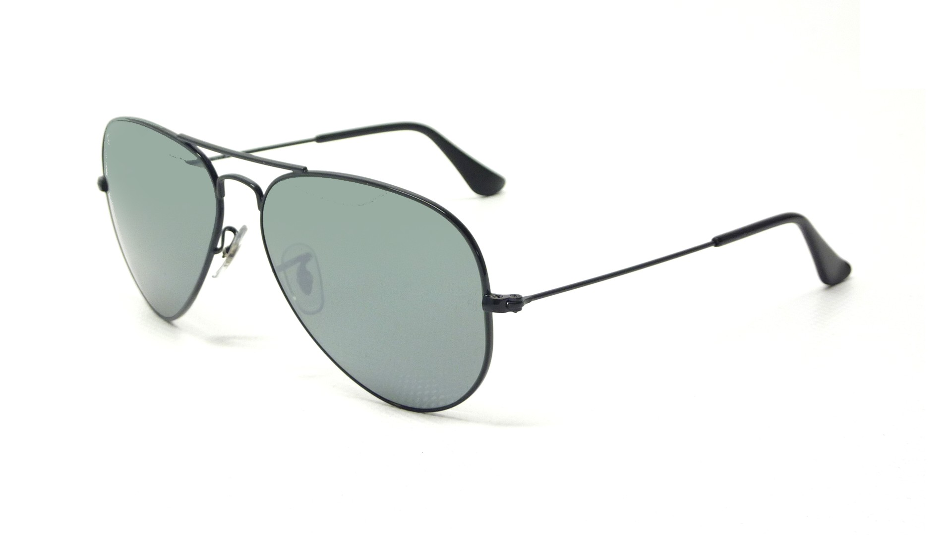 ray ban 3025 glass or plastic