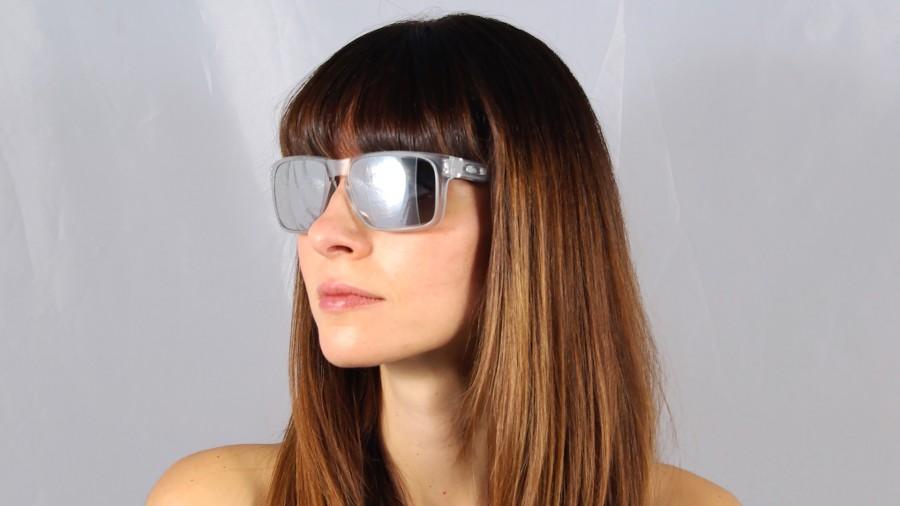5618ed0e650e7b Jetzt kaufen Oakley Holbrook OO 9102 A2 Sonnenbrille  AT5YSZ095Q . ...