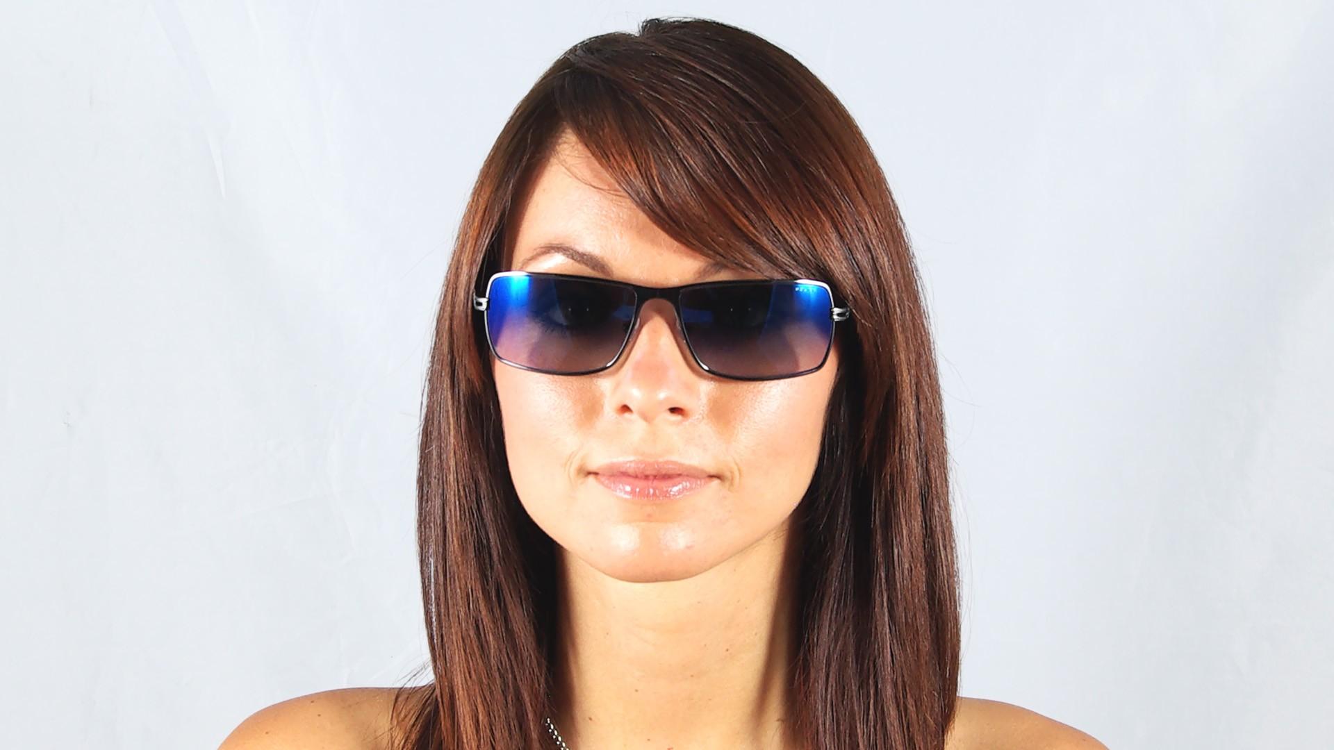lunettes de soleil police s 8766 568b argent verres. Black Bedroom Furniture Sets. Home Design Ideas