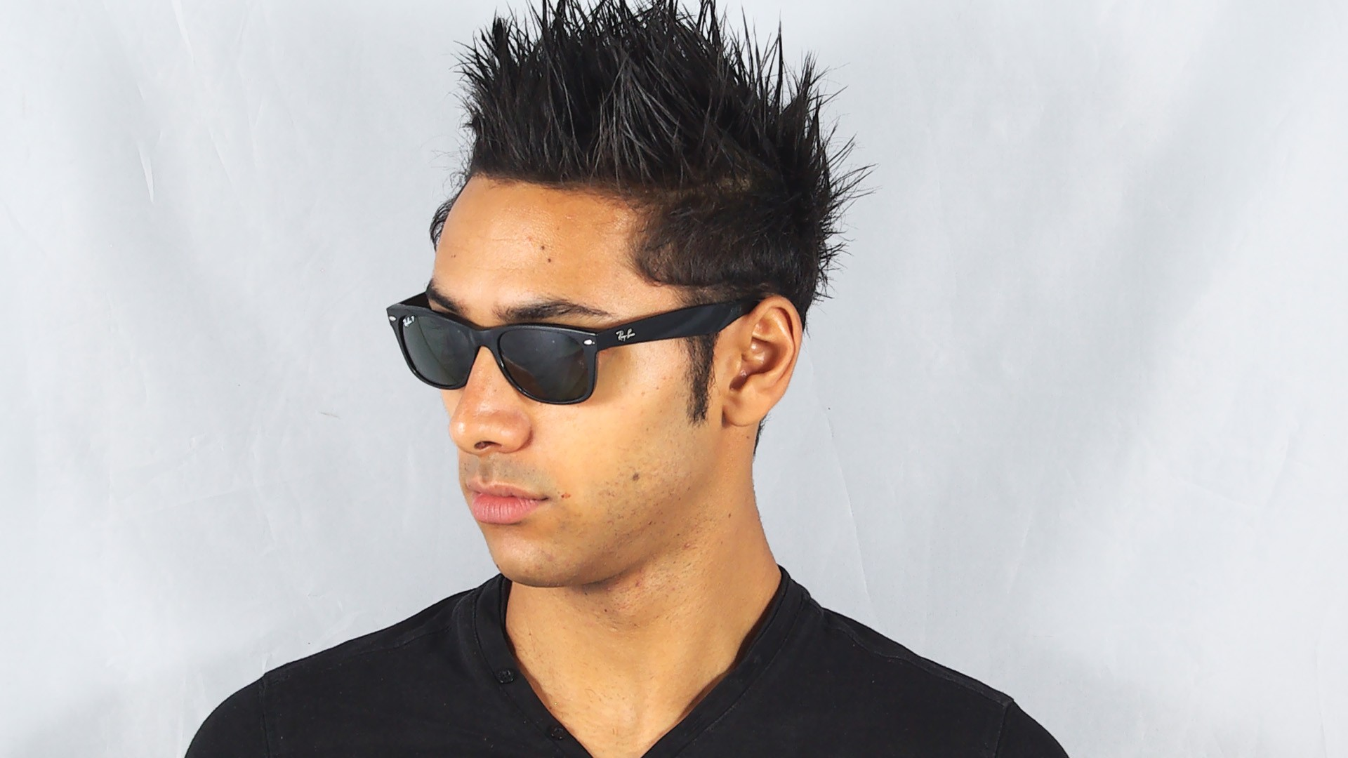 87beffd06 Sunglasses Ray-Ban New Wayfarer Black G15 RB2132 901/58 52-18 Small  Polarized