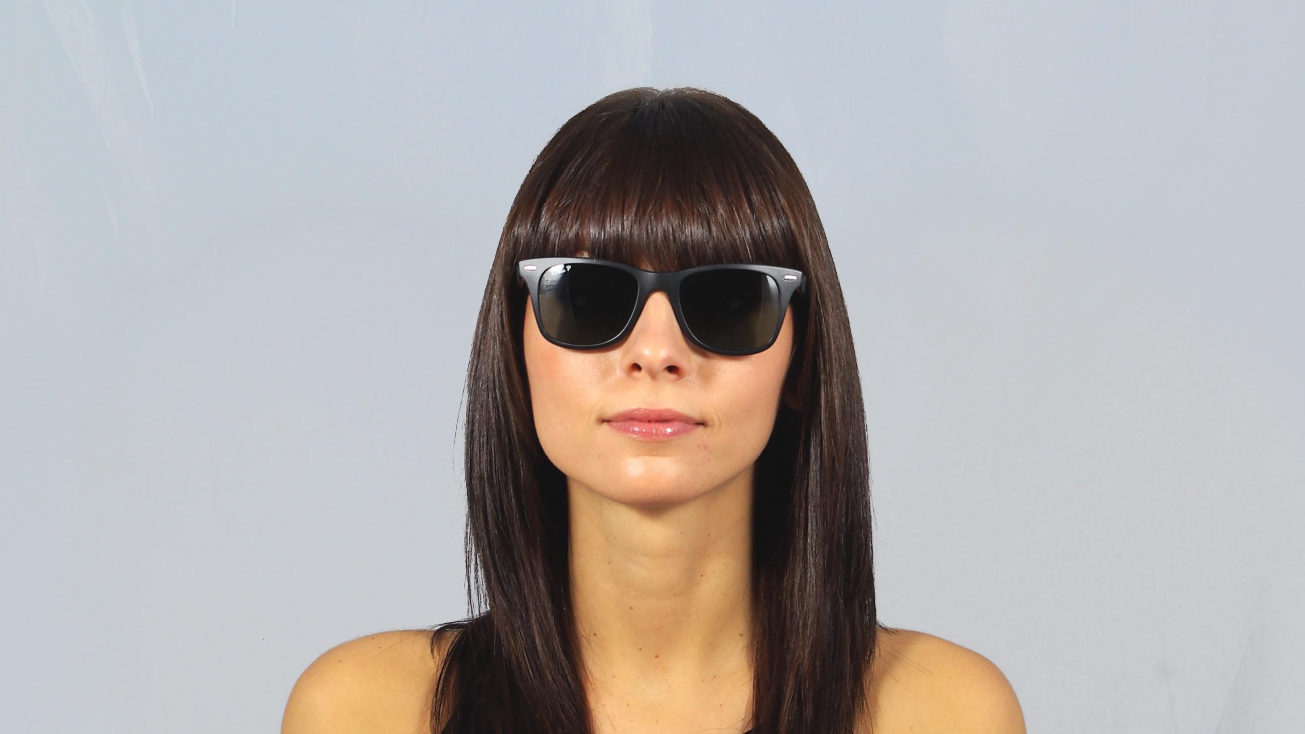5447ef24e Sunglasses Ray-Ban Wayfarer Liteforce Black RB4195 601S/9A 52-20 Medium  Polarized