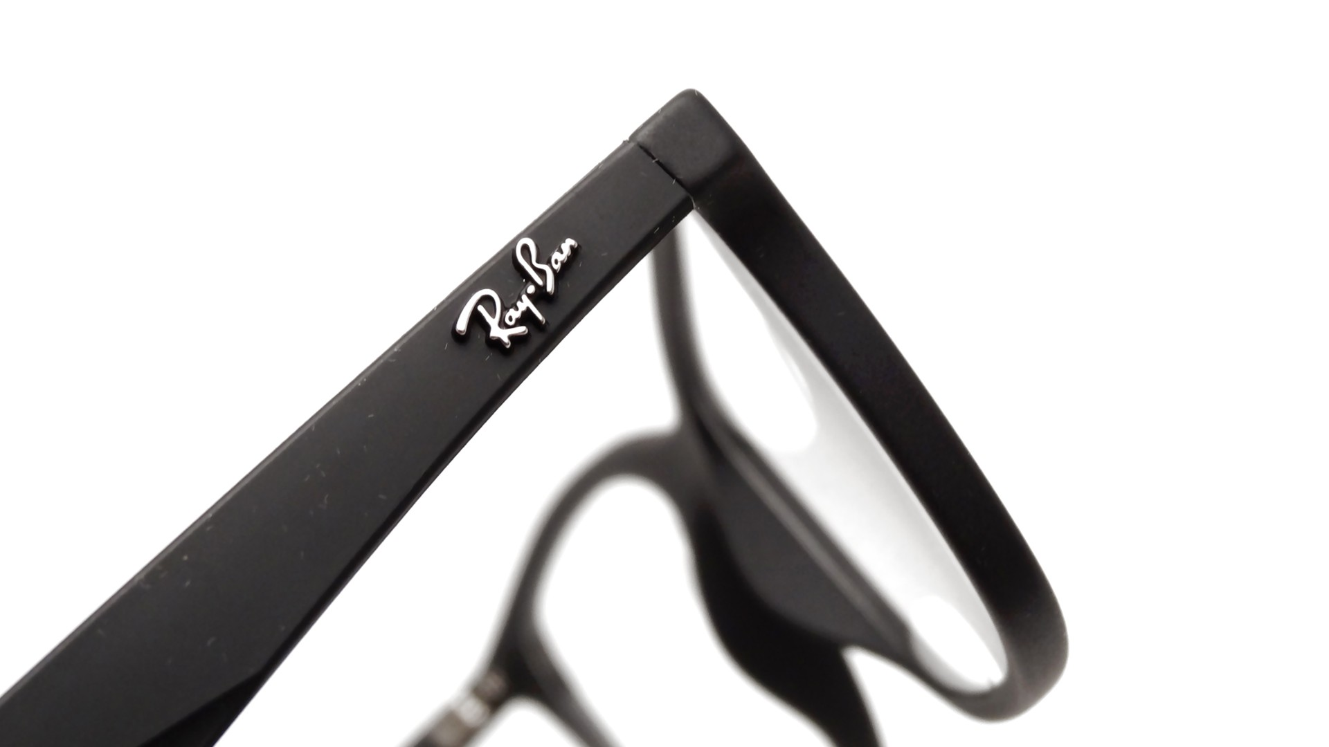 3f730410bf0 Lunettes de vue Ray-Ban Active Lifestyle Black RX7047 RB7047 5196 54 ...
