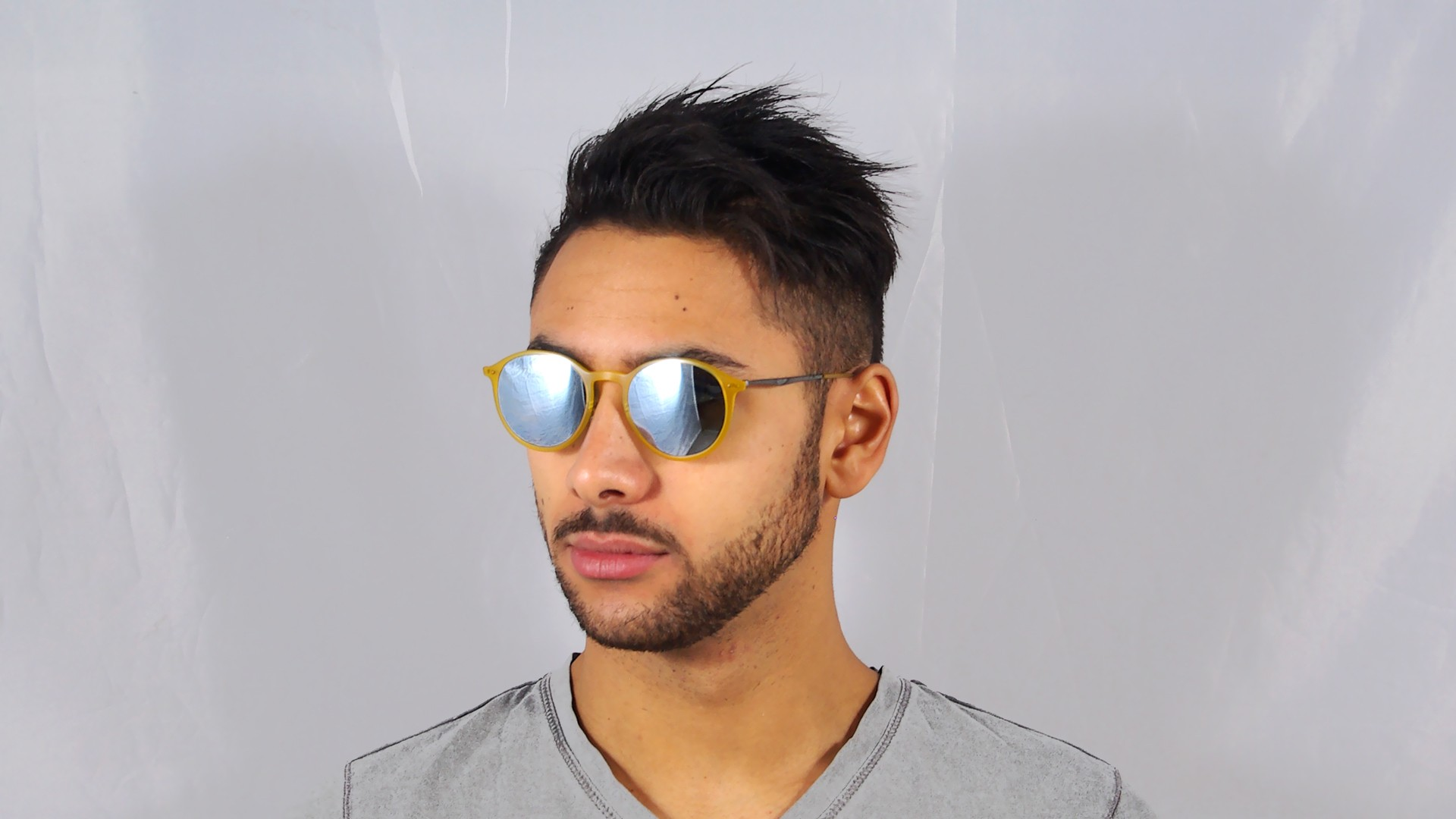 Ray-Ban Round Light Ray Jaune RB4224 618630 49-20   Prix 99,90 €    Visiofactory deb6d417e72c