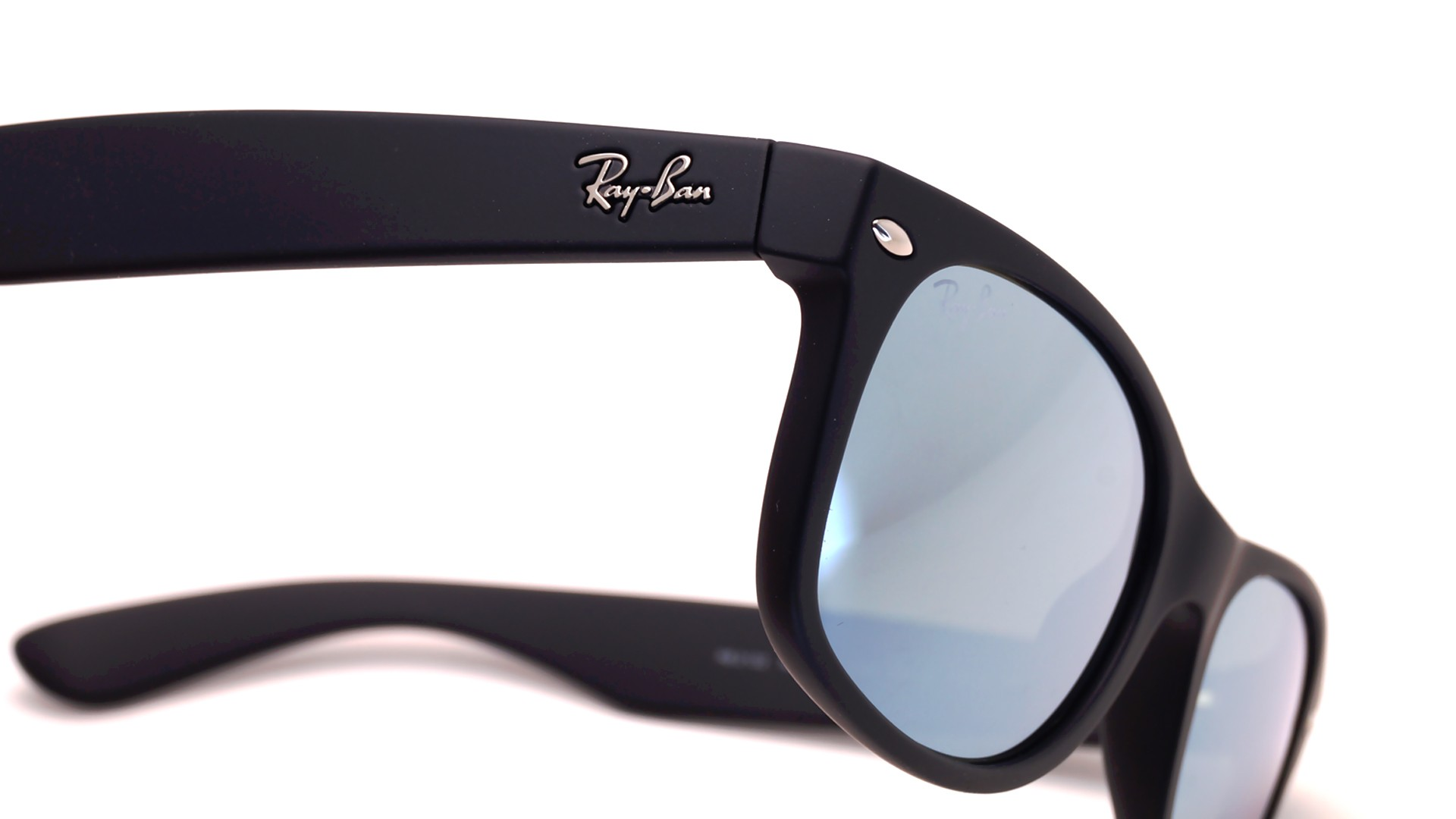 417a34e1c3 Ray-Ban New Wayfarer Black RB2132 622 30 52-18