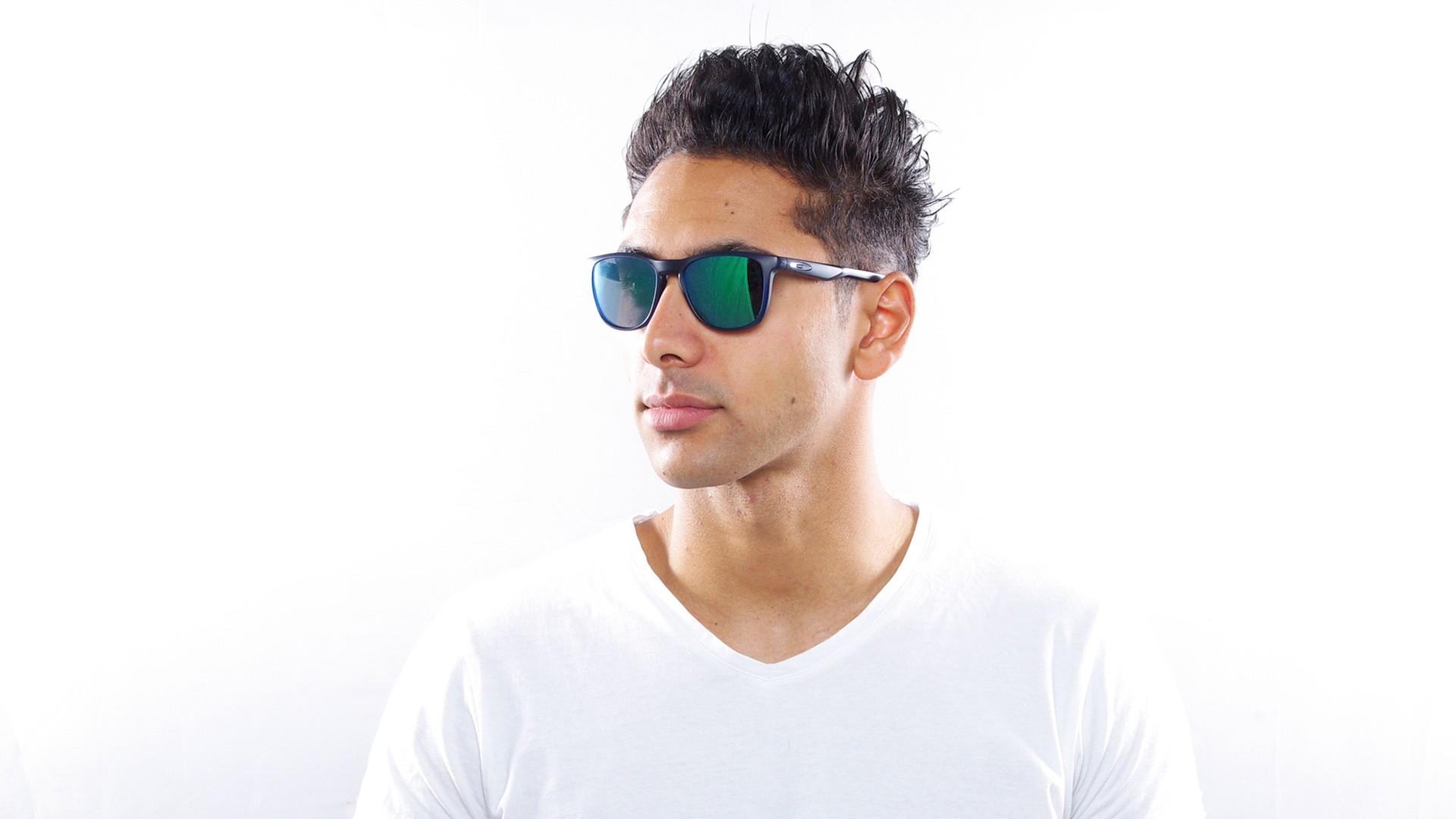 e5164f7edc Sunglasses Oakley Trillbe X Blue Mat OO9340 04 52-18 Medium Flash