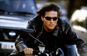 Tom Cruise dans Mission Impossible 2 avec les Oakley Five