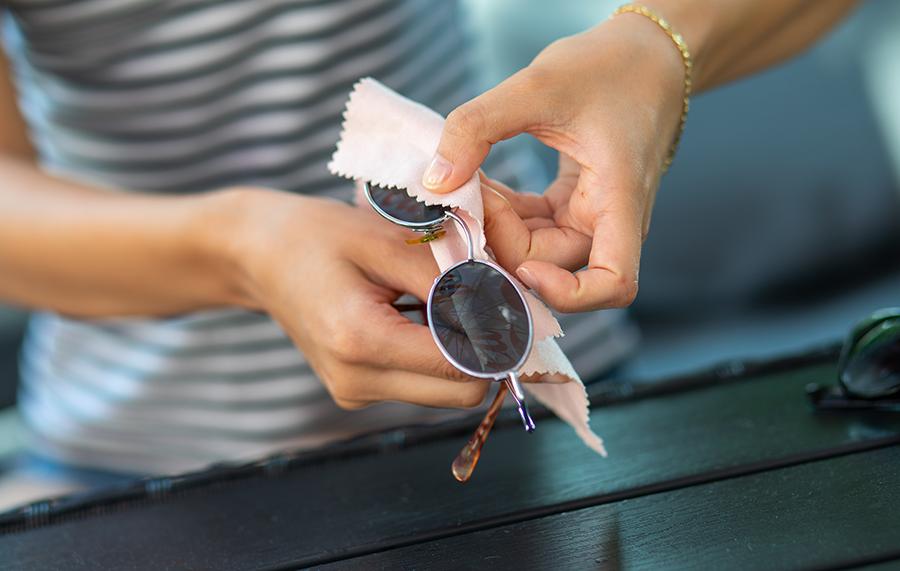 Entretien de vos lunettes : conseils et astuces