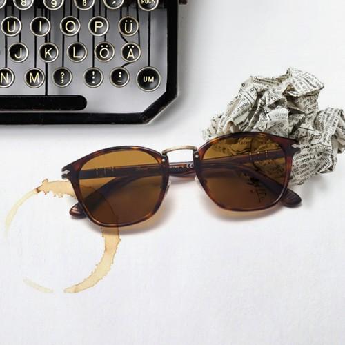 Lunettes de soleil Persol Typewriter   Visiofactory 4f19fd3d4954